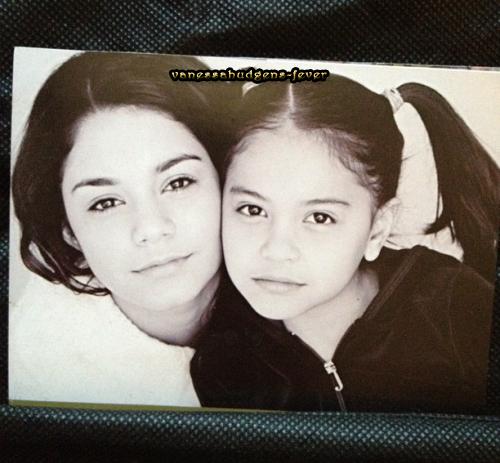 Ce Mercredi 20-06-2012  Vanessa et sa mère aperçu dans Beverly hills! (+) Photos personnelles de vanessa!