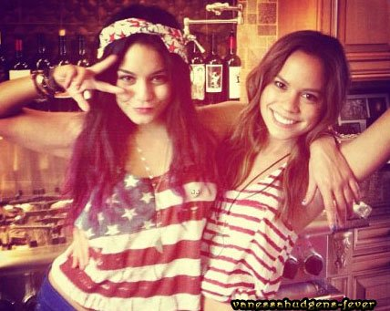 Ce Jeudi 05 Juillet 2012::: Vanessa poste un nouveau message!