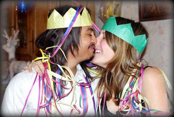 Bonne année , Bonne santé , Beaucoup de bonheur  ;)
