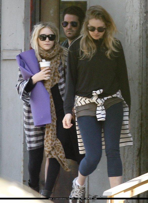 kkkkkkkkkkkkkkkkkkkkkkkkkkkkkkkkkkkkkkkkkkkkkkkkkkkkkkkkkkkkkkkkkkkkkkkkkkkkkkkkkkkkkkkkkkkkkkkkkkkkkkkkkkkkkkkk15 AVRIL 2010 : Mary-Kate quittant son appartement avec deux de ses amis à SoHo, NY   kkkkkkkk Du vrai n'importe quoi sa tenue ! (On reconnaît bien notre MK ! ) kkkkkkkkkkkkkkkkkkkkkkkkkkkkkkkkkkkkkkkkkkkkkkkkkkkkkkkkkkkkkkkkkkkkkkkkkkkkkkkkkkkkkkkkkkkkkkkkkkkkkkkkkkkkkkkk