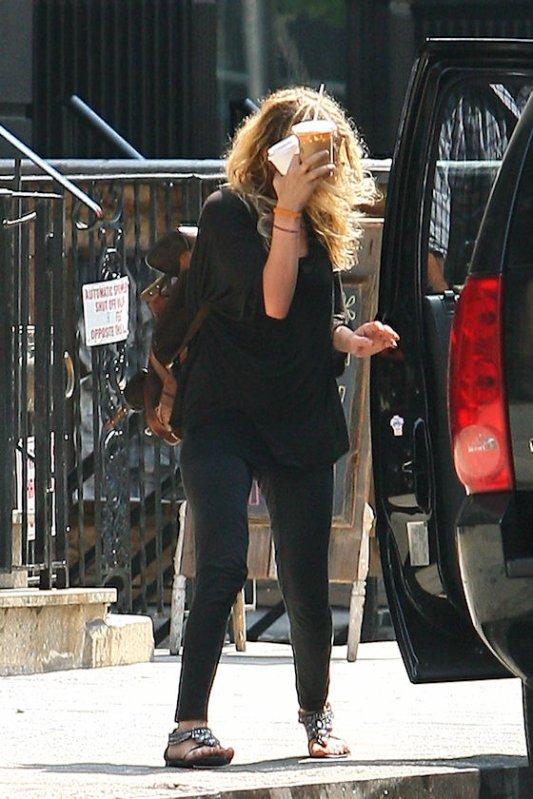 kkkkkkkkkkkkkkkkkkkkkkkkkkkkkkkkkkkkkkkkkkkkkkkkkkkkkkkkkkkkkkkkkkkkkkkkkkkkkkkkkkkkkkkkkkkkkkkkkkkkkkkkkkkkkkkk09 AOÛT 2010 : Mary-Kate quittant le café The Smile à Noho,  New York   kkkkkkkkSes sandales sont splendide <3   kkkkkkkkkkkkkkkkkkkkkkkkkkkkkkkkkkkkkkkkkkkkkkkkkkkkkkkkkkkkkkkkkkkkkkkkkkkkkkkkkkkkkkkkkkkkkkkkkkkkkkkkkkkkkkkk