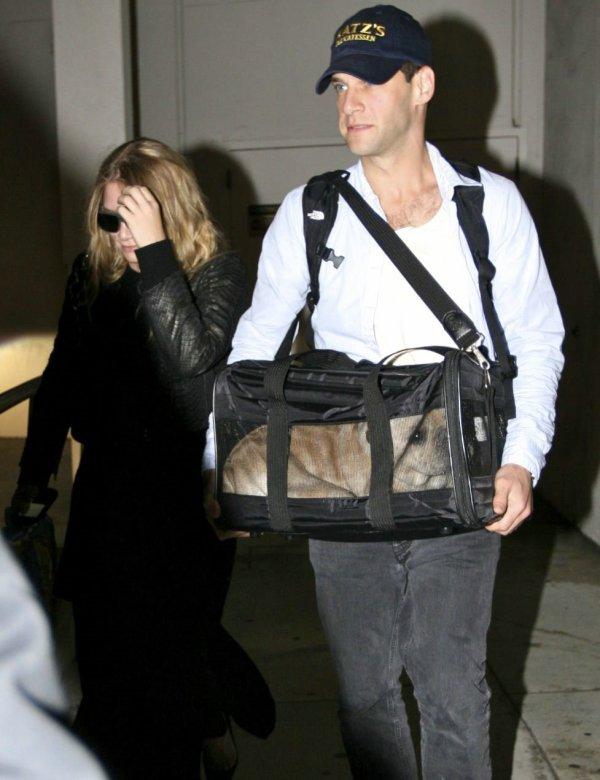 kkkkkkkkkkkkkkkkkkkkkkkkkkkkkkkkkkkkkkkkkkkkkkkkkkkkkkkkkkkkkkkkkkkkkkkkkkkkkkkkkkkkkkkkkkkkkkkkkkkkkkkkkkkkkkkk15 SEPTEMBRE 2010 : Ashley quittant l'aéroport de LAX avec Justin et leur chien à LA    kkkkkkkk Ça fessait un bout qu'on les avaient pas vus les trois ensembles ! ;)  kkkkkkkkkkkkkkkkkkkkkkkkkkkkkkkkkkkkkkkkkkkkkkkkkkkkkkkkkkkkkkkkkkkkkkkkkkkkkkkkkkkkkkkkkkkkkkkkkkkkkkkkkkkkkkkk