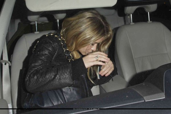 kkkkkkkkkkkkkkkkkkkkkkkkkkkkkkkkkkkkkkkkkkkkkkkkkkkkkkkkkkkkkkkkkkkkkkkkkkkkkkkkkkkkkkkkkkkkkkkkkkkkkkkkkkkkkkkk16 SEPTEMBRE 2010 : Ashley quittant le restaurant Osteria Mozza avec Justin sur Melrose Avenue à West Hollywood, Los Angeles    kkkkkkkk Elle ne voulait décidément pas se faire prendre en photos :/ kkkkkkkkkkkkkkkkkkkkkkkkkkkkkkkkkkkkkkkkkkkkkkkkkkkkkkkkkkkkkkkkkkkkkkkkkkkkkkkkkkkkkkkkkkkkkkkkkkkkkkkkkkkkkkkk