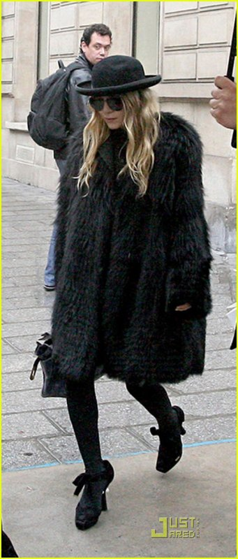 kkkkkkkkkkkkkkkkkkkkkkkkkkkkkkkkkkkkkkkkkkkkkkkkkkkkkkkkkkkkkkkkkkkkkkkkkkkkkkkkkkkkkkkkkkkkkkkkkkkkkkkkkkkkkkkk06 OCTOBRE 2010 : Mary-Kate et Ashley quittant un magasin sur les Champs Elysée à Paris, en France     kkkkkkkkTop pour Ashley, mais flop pour Mary-Kate... J'aime pas du tout ! kkkkkkkkkkkkkkkkkkkkkkkkkkkkkkkkkkkkkkkkkkkkkkkkkkkkkkkkkkkkkkkkkkkkkkkkkkkkkkkkkkkkkkkkkkkkkkkkkkkkkkkkkkkkkkkk