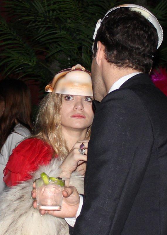 kkkkkkkkkkkkkkkkkkkkkkkkkkkkkkkkkkkkkkkkkkkkkkkkkkkkkkkkkkkkkkkkkkkkkkkkkkkkkkkkkkkkkkkkkkkkkkkkkkkkkkkkkkkkkkkk30 OCTOBRE 2010 : Ashley et Justin à une fête pour l'Halloween organisé par The Smile et Kanon Organic Vodka à l'hôtel Jane à New York   kkkkkkkkComment trouvez-vous leur masque ? ^^ kkkkkkkkkkkkkkkkkkkkkkkkkkkkkkkkkkkkkkkkkkkkkkkkkkkkkkkkkkkkkkkkkkkkkkkkkkkkkkkkkkkkkkkkkkkkkkkkkkkkkkkkkkkkkkkk