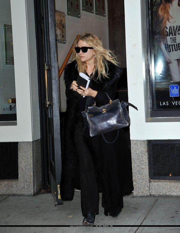 """kkkkkkkkkkkkkkkkkkkkkkkkkkkkkkkkkkkkkkkkkkkkkkkkkkkkkkkkkkkkkkkkkkkkkkkkkkkkkkkkkkkkkkkkkkkkkkkkkkkkkkkkkkkkkkkk08 NOVEMBRE 2010 : Mary-Kate quittant la salon de coiffure """"Prive"""" dans le quartier de SoHo, New York    kkkkkkkkJ'adore sa coiffure, vraiment top ! :) kkkkkkkkkkkkkkkkkkkkkkkkkkkkkkkkkkkkkkkkkkkkkkkkkkkkkkkkkkkkkkkkkkkkkkkkkkkkkkkkkkkkkkkkkkkkkkkkkkkkkkkkkkkkkkkk"""