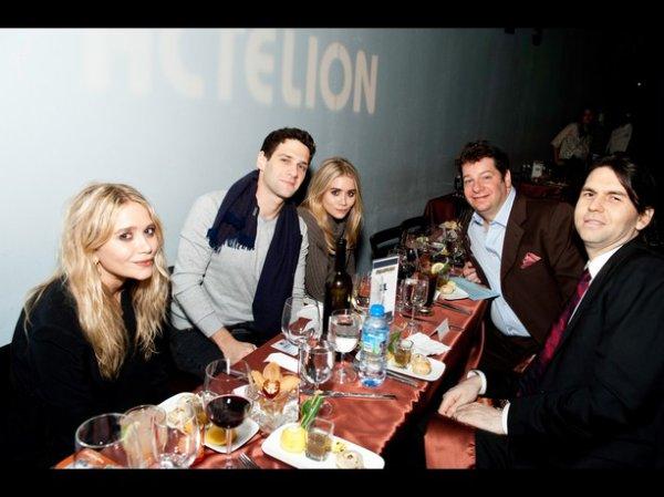 """kkkkkkkkkkkkkkkkkkkkkkkkkkkkkkkkkkkkkkkkkkkkkkkkkkkkkkkkkkkkkkkkkkkkkkkkkkkkkkkkkkkkkkkkkkkkkkkkkkkkkkkkkkkkkkkk08 NOVEMBRE 2010 : Mary-Kate et Ashley au Cool comedy hot cuisine Gala, qui récolte des fonds contre la sclérodermie au Carolines sur Broadway à New York   kkkkkkkkElles étaient comme l'année passée accompagnées de leur """"faux"""" père, Bog Saget, qui jouait avec eux dans Full House ^^ kkkkkkkkkkkkkkkkkkkkkkkkkkkkkkkkkkkkkkkkkkkkkkkkkkkkkkkkkkkkkkkkkkkkkkkkkkkkkkkkkkkkkkkkkkkkkkkkkkkkkkkkkkkkkkkk"""