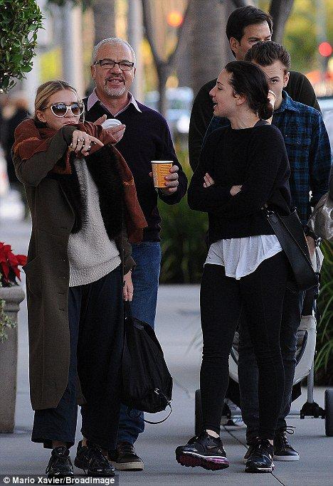 kkkkkkkkkkkkkkkkkkkkkkkkkkkkkkkkkkkkkkkkkkkkkkkkkkkkkkkkkkkkkkkkkkkkkkkkkkkkkkkkkkkkkkkkkkkkkkkkkkkkkkkkkkkkkkkk30 DECEMBRE 2010 : Ashley se promenant dans les rues de Beverly Hills après avoir fait du shopping chez Geary's avec des amis à Los Angeles    kkkkkkkkBon je sais qu'elle s'habilles comme ça pour ne pas être reconnue par les paparazzis mais là sa commence à être abusé ce genre de tenue... :( Mais bon sinon au moins elle est souriante sur les photos! ^^    kkkkkkkkkkkkkkkkkkkkkkkkkkkkkkkkkkkkkkkkkkkkkkkkkkkkkkkkkkkkkkkkkkkkkkkkkkkkkkkkkkkkkkkkkkkkkkkkkkkkkkkkkkkkkkkk