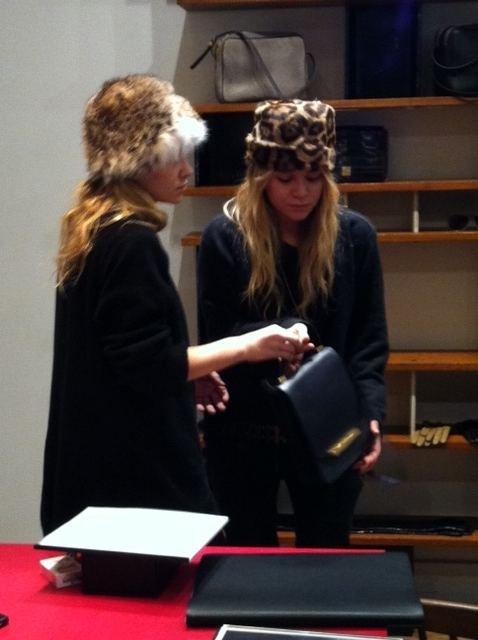 kkkkkkkkkkkkkkkkkkkkkkkkkkkkkkkkkkkkkkkkkkkkkkkkkkkkkkkkkkkkkkkkkkkkkkkkkkkkkkkkkkkkkkkkkkkkkkkkkkkkkkkkkkkkkkkk16 FÉVRIER 2011 : Mary-Kate et Ashley présentant leur collection de sac à main The Row au magasin Barney's NY à New York    kkkkkkkkElles ont l'air un peu fatiguées lol...  kkkkkkkkkkkkkkkkkkkkkkkkkkkkkkkkkkkkkkkkkkkkkkkkkkkkkkkkkkkkkkkkkkkkkkkkkkkkkkkkkkkkkkkkkkkkkkkkkkkkkkkkkkkkkkkk