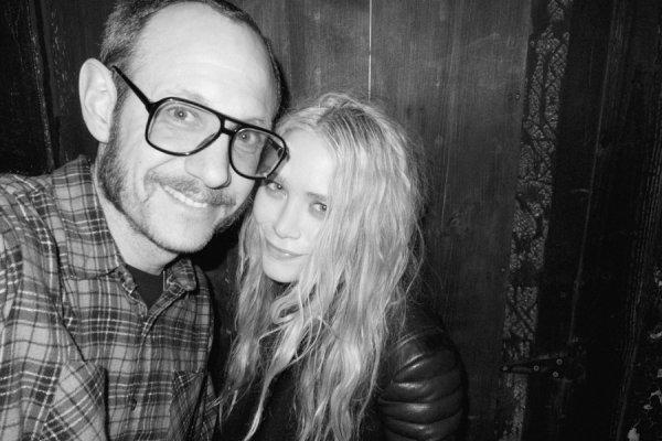 kkkkkkkkkkkkkkkkkkkkkkkkkkkkkkkkkkkkkkkkkkkkkkkkkkkkkkkkkkkkkkkkkkkkkkkkkkkkkkkkkkkkkkkkkkkkkkkkkkkkkkkkkkkkkkkk14 AVRIL 2011 : Mary-Kate devant le restaurant Omen après y avoir mangé avec Terry Richardson sur Thompson street à SoHo, New York    kkkkkkkkJ'adore comment elle est sur les photos,  elle est trop mignonne ^^  kkkkkkkkkkkkkkkkkkkkkkkkkkkkkkkkkkkkkkkkkkkkkkkkkkkkkkkkkkkkkkkkkkkkkkkkkkkkkkkkkkkkkkkkkkkkkkkkkkkkkkkkkkkkkkkk