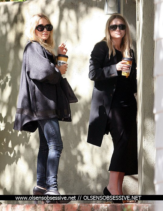 kkkkkkkkkkkkkkkkkkkkkkkkkkkkkkkkkkkkkkkkkkkkkkkkkkkkkkkkkkkkkkkkkkkkkkkkkkkkkkkkkkkkkkkkkkkkkkkkkkkkkkkkkkkkkkkk17 SEPTEMBRE 2010 : Mary-Kate et Ashley arrivant à un rendez-vous en matinée à West Hollywood, Los Angeles   kkkkkkkkSympa le manteau de MK ! ^^  kkkkkkkkkkkkkkkkkkkkkkkkkkkkkkkkkkkkkkkkkkkkkkkkkkkkkkkkkkkkkkkkkkkkkkkkkkkkkkkkkkkkkkkkkkkkkkkkkkkkkkkkkkkkkkkk