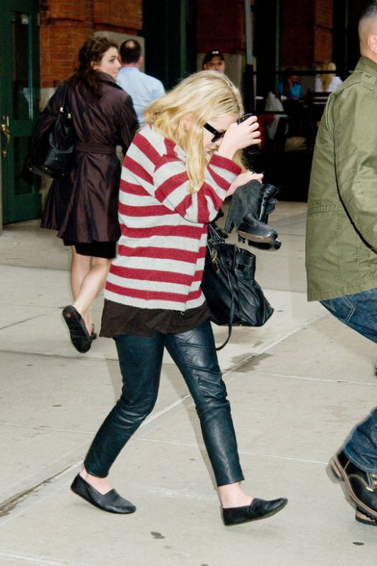 kkkkkkkkkkkkkkkkkkkkkkkkkkkkkkkkkkkkkkkkkkkkkkkkkkkkkkkkkkkkkkkkkkkkkkkkkkkkkkkkkkkkkkkkkkkkkkkkkkkkkkkkkkkkkkkk28 AVRIL 2011 : Mary-Kate quittant l'hôtel Greenwich à Tribeca, New York   kkkkkkkkAh j'adore sa tenue, un grand top! ^^  kkkkkkkkkkkkkkkkkkkkkkkkkkkkkkkkkkkkkkkkkkkkkkkkkkkkkkkkkkkkkkkkkkkkkkkkkkkkkkkkkkkkkkkkkkkkkkkkkkkkkkkkkkkkkkkk