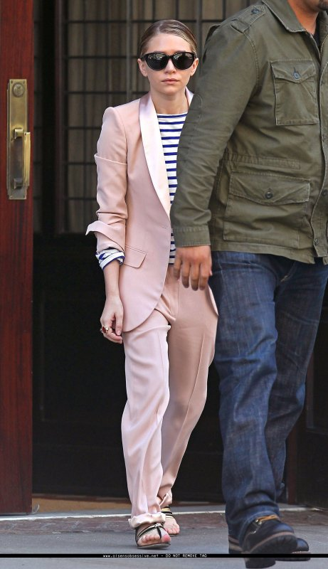 kkkkkkkkkkkkkkkkkkkkkkkkkkkkkkkkkkkkkkkkkkkkkkkkkkkkkkkkkkkkkkkkkkkkkkkkkkkkkkkkkkkkkkkkkkkkkkkkkkkkkkkkkkkkkkkk29 AVRIL 2011 : Ashley quittant l'hôtel Greenwich à Tribeca, New York   kkkkkkkkMême tenue que le 27, excepté la couleur de l'ensembles.. :/ Alors, plutôt la tenue rouge ou rose ? :P  kkkkkkkkkkkkkkkkkkkkkkkkkkkkkkkkkkkkkkkkkkkkkkkkkkkkkkkkkkkkkkkkkkkkkkkkkkkkkkkkkkkkkkkkkkkkkkkkkkkkkkkkkkkkkkkk