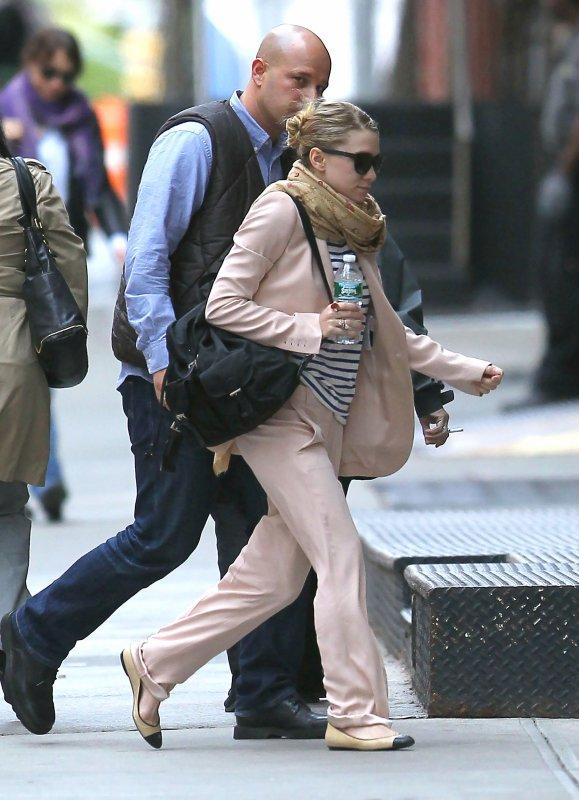 kkkkkkkkkkkkkkkkkkkkkkkkkkkkkkkkkkkkkkkkkkkkkkkkkkkkkkkkkkkkkkkkkkkkkkkkkkkkkkkkkkkkkkkkkkkkkkkkkkkkkkkkkkkkkkkk02 MAI 2011 : Ashley arrivant à son hôtel, le Greenwich, à Tribeca, New York   kkkkkkkkEt elle revient avec une tenue complètement différente! En tout cas j'aime bien ^^  kkkkkkkkkkkkkkkkkkkkkkkkkkkkkkkkkkkkkkkkkkkkkkkkkkkkkkkkkkkkkkkkkkkkkkkkkkkkkkkkkkkkkkkkkkkkkkkkkkkkkkkkkkkkkkkk