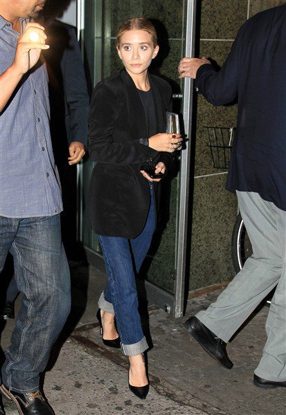 """kkkkkkkkkkkkkkkkkkkkkkkkkkkkkkkkkkkkkkkkkkkkkkkkkkkkkkkkkkkkkkkkkkkkkkkkkkkkkkkkkkkkkkkkkkkkkkkkkkkkkkkkkkkkkkkk25 JUILLET 2011 : Ashley arrivant à la première de la pièce """"All new People"""" au théâtre Second Stage à New York    kkkkkkkkTrès classe, j'aime beaucoup :) kkkkkkkkkkkkkkkkkkkkkkkkkkkkkkkkkkkkkkkkkkkkkkkkkkkkkkkkkkkkkkkkkkkkkkkkkkkkkkkkkkkkkkkkkkkkkkkkkkkkkkkkkkkkkkkk"""