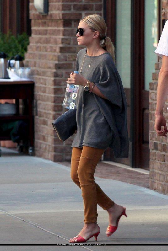 kkkkkkkkkkkkkkkkkkkkkkkkkkkkkkkkkkkkkkkkkkkkkkkkkkkkkkkkkkkkkkkkkkkkkkkkkkkkkkkkkkkkkkkkkkkkkkkkkkkkkkkkkkkkkkkk11 AOÛT 2011 : Ashley quittant son hôtel, le Greenwich, à Tribeca, New York     kkkkkkkkLa tenue est juste du The Row et Elizabeth and James à l'exception des souliers ^^  kkkkkkkkkkkkkkkkkkkkkkkkkkkkkkkkkkkkkkkkkkkkkkkkkkkkkkkkkkkkkkkkkkkkkkkkkkkkkkkkkkkkkkkkkkkkkkkkkkkkkkkkkkkkkkkk