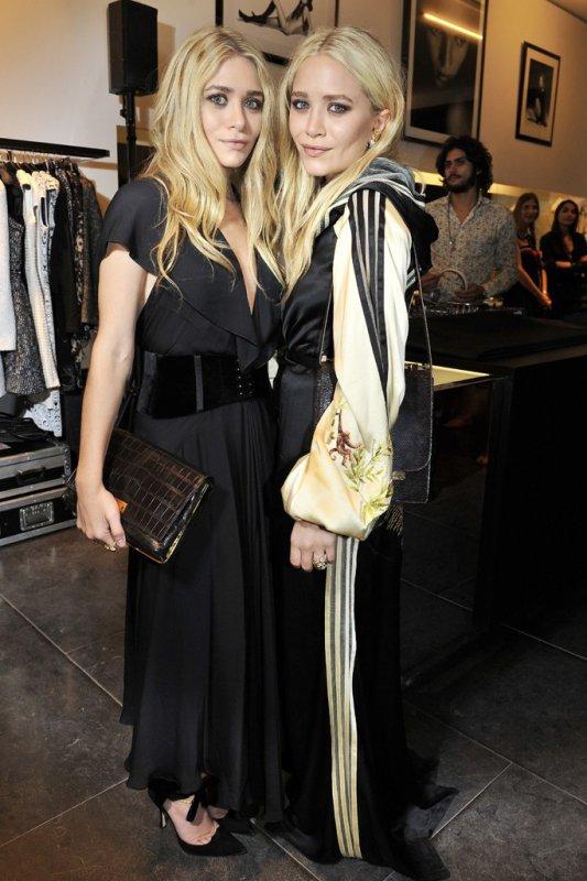 kkkkkkkkkkkkkkkkkkkkkkkkkkkkkkkkkkkkkkkkkkkkkkkkkkkkkkkkkkkkkkkkkkkkkkkkkkkkkkkkkkkkkkkkkkkkkkkkkkkkkkkkkkkkkkkk29 SEPTEMBRE 2011 : Mary-Kate et Ashley au lancement de leur ligne de sacs à main The Row à la boutique Montaigne Market en soirée à Paris, en France    kkkkkkkkWahou, elles sont magnifiques :D Vivement d'autres photos !! kkkkkkkkkkkkkkkkkkkkkkkkkkkkkkkkkkkkkkkkkkkkkkkkkkkkkkkkkkkkkkkkkkkkkkkkkkkkkkkkkkkkkkkkkkkkkkkkkkkkkkkkkkkkkkkk