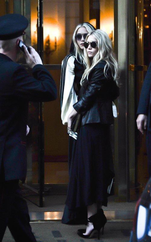 kkkkkkkkkkkkkkkkkkkkkkkkkkkkkkkkkkkkkkkkkkkkkkkkkkkkkkkkkkkkkkkkkkkkkkkkkkkkkkkkkkkkkkkkkkkkkkkkkkkkkkkkkkkkkkkk29 SEPTEMBRE 2011 : Mary-Kate et Ashley devant leur hôtel, le Bristol, et par la suite arrivant à leur fête pour The Row sur Avenue Montaigne à Paris    kkkkkkkkFranchement elles sont magnifiques et ça fait plaisir d'avoir des photos d'elles comme ça à Paris !  :D   kkkkkkkkkkkkkkkkkkkkkkkkkkkkkkkkkkkkkkkkkkkkkkkkkkkkkkkkkkkkkkkkkkkkkkkkkkkkkkkkkkkkkkkkkkkkkkkkkkkkkkkkkkkkkkkk