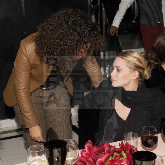 kkkkkkkkkkkkkkkkkkkkkkkkkkkkkkkkkkkkkkkkkkkkkkkkkkkkkkkkkkkkkkkkkkkkkkkkkkkkkkkkkkkkkkkkkkkkkkkkkkkkkkkkkkkkkkkk01 NOVEMBRE 2011 : Mary-Kate et Ashley au lancement du livre de Christian Louboutin et du 20e anniversaire de la marque, au magasin Barney's NY et ensuite au dîner organisé au restaurant Le Caprice dans l'Upper East Side, New York   kkkkkkkkJ'aime beaucoup cette apparition, elles sont très jolies et fidèles à elles-mêmes :)  kkkkkkkkkkkkkkkkkkkkkkkkkkkkkkkkkkkkkkkkkkkkkkkkkkkkkkkkkkkkkkkkkkkkkkkkkkkkkkkkkkkkkkkkkkkkkkkkkkkkkkkkkkkkkkkk