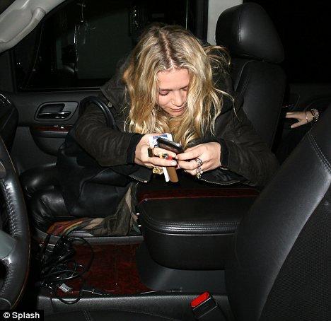 kkkkkkkkkkkkkkkkkkkkkkkkkkkkkkkkkkkkkkkkkkkkkkkkkkkkkkkkkkkkkkkkkkkkkkkkkkkkkkkkkkkkkkkkkkkkkkkkkkkkkkkkkkkkkkkk23 NOVEMBRE 2011 : Mary-Kate quittant le restaurant Madeo à West Hollywood, LA   kkkkkkkkLe nouveau restaurant préféré de MK lorsqu'elle est à LA, elle y est toujours ^^ /  Mais sinon : ENFIN des photos !!  kkkkkkkkkkkkkkkkkkkkkkkkkkkkkkkkkkkkkkkkkkkkkkkkkkkkkkkkkkkkkkkkkkkkkkkkkkkkkkkkkkkkkkkkkkkkkkkkkkkkkkkkkkkkkkkk