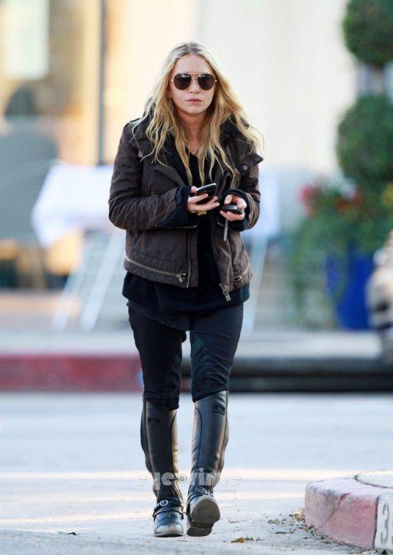 kkkkkkkkkkkkkkkkkkkkkkkkkkkkkkkkkkkkkkkkkkkkkkkkkkkkkkkkkkkkkkkkkkkkkkkkkkkkkkkkkkkkkkkkkkkkkkkkkkkkkkkkkkkkkkkk26 NOVEMBRE 2011 : Mary-Kate quittant un restaurant à West Hollywood, Los Angeles    kkkkkkkkElle a l'air vraiment plus détendue sur ces photos, ça fait plaisir à voir ^^  kkkkkkkkkkkkkkkkkkkkkkkkkkkkkkkkkkkkkkkkkkkkkkkkkkkkkkkkkkkkkkkkkkkkkkkkkkkkkkkkkkkkkkkkkkkkkkkkkkkkkkkkkkkkkkkk