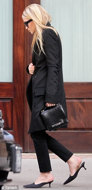 kkkkkkkkkkkkkkkkkkkkkkkkkkkkkkkkkkkkkkkkkkkkkkkkkkkkkkkkkkkkkkkkkkkkkkkkkkkkkkkkkkkkkkkkkkkkkkkkkkkkkkkkkkkkkkkk15 FÉVRIER  2012 : Mary-Kate et Ashley quittant l'hôtel Greenwich à Tribeca, New York     kkkkkkkkTrès chic ! :)   kkkkkkkkkkkkkkkkkkkkkkkkkkkkkkkkkkkkkkkkkkkkkkkkkkkkkkkkkkkkkkkkkkkkkkkkkkkkkkkkkkkkkkkkkkkkkkkkkkkkkkkkkkkkkkkk
