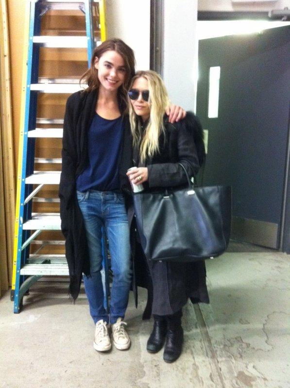 kkkkkkkkkkkkkkkkkkkkkkkkkkkkkkkkkkkkkkkkkkkkkkkkkkkkkkkkkkkkkkkkkkkkkkkkkkkkkkkkkkkkkkkkkkkkkkkkkkkkkkkkkkkkkkkk03 AVRIL  2012 : Mary-Kate avec une fille avec qui elle travaillait à Manhattan, New York      kkkkkkkkTrès noir comme tenue mais ça fait plaisir de la revoir un peu ^^  kkkkkkkkkkkkkkkkkkkkkkkkkkkkkkkkkkkkkkkkkkkkkkkkkkkkkkkkkkkkkkkkkkkkkkkkkkkkkkkkkkkkkkkkkkkkkkkkkkkkkkkkkkkkkkkk