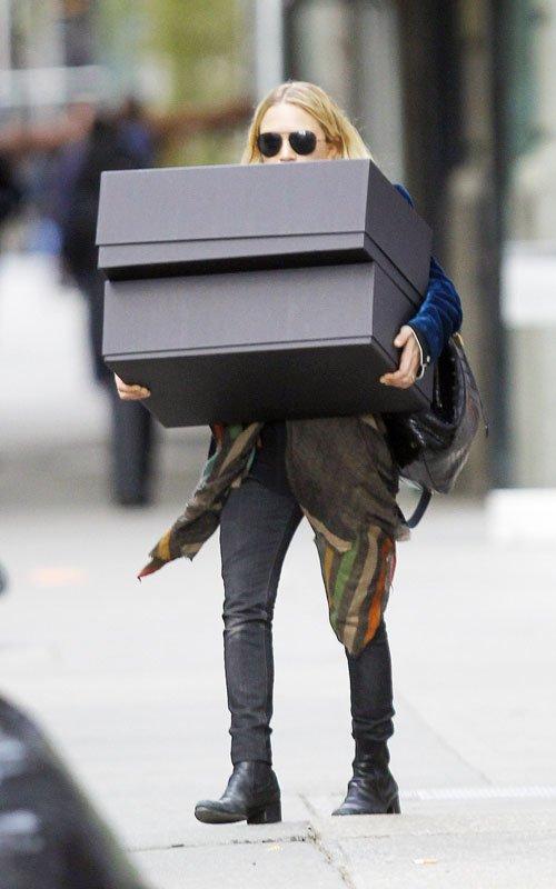 kkkkkkkkkkkkkkkkkkkkkkkkkkkkkkkkkkkkkkkkkkkkkkkkkkkkkkkkkkkkkkkkkkkkkkkkkkkkkkkkkkkkkkkkkkkkkkkkkkkkkkkkkkkkkkkk10 AVRIL  2012 : Mary-Kate quittant son bureau à Chelsea, New York    kkkkkkkkMais que peut bien contenir ces deux grosses boîtes ?  kkkkkkkkkkkkkkkkkkkkkkkkkkkkkkkkkkkkkkkkkkkkkkkkkkkkkkkkkkkkkkkkkkkkkkkkkkkkkkkkkkkkkkkkkkkkkkkkkkkkkkkkkkkkkkkk