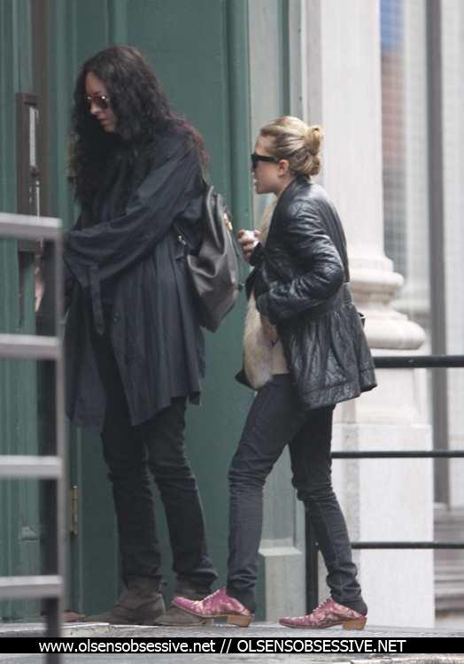 kkkkkkkkkkkkkkkkkkkkkkkkkkkkkkkkkkkkkkkkkkkkkkkkkkkkkkkkkkkkkkkkkkkkkkkkkkkkkkkkkkkkkkkkkkkkkkkkkkkkkkkkkkkkkkkk02 MAI 2012 : Mary-Kate arrivant à un appartement avec une amie et le quittant un peu plus tard à Tribeca, New York     kkkkkkkkHorrible chaussures lol je me demande qu'est qu'elle leur trouve ^^  kkkkkkkkkkkkkkkkkkkkkkkkkkkkkkkkkkkkkkkkkkkkkkkkkkkkkkkkkkkkkkkkkkkkkkkkkkkkkkkkkkkkkkkkkkkkkkkkkkkkkkkkkkkkkkkk