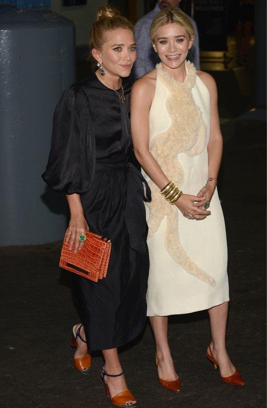 kkkkkkkkkkkkkkkkkkkkkkkkkkkkkkkkkkkkkkkkkkkkkkkkkkkkkkkkkkkkkkkkkkkkkkkkkkkkkkkkkkkkkkkkkkkkkkkkkkkkkkkkkkkkkkkk31 MAI 2012 : Mary-Kate et Ashley au gala annuel de l'association the Fresh Air Fund où elles étaient les invitées d'honneurs, au Chelsea Piers à New York     kkkkkkkkElles ont l'air d'avoir une si grande complicité sur les photos c'est vraiment beau à voir :D  kkkkkkkkkkkkkkkkkkkkkkkkkkkkkkkkkkkkkkkkkkkkkkkkkkkkkkkkkkkkkkkkkkkkkkkkkkkkkkkkkkkkkkkkkkkkkkkkkkkkkkkkkkkkkkkk