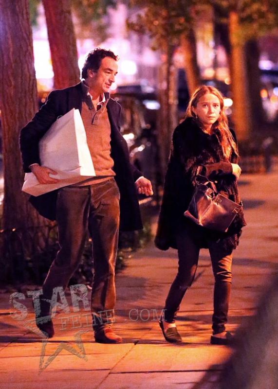 kkkkkkkkkkkkkkkkkkkkkkkkkkkkkkkkkkkkkkkkkkkkkkkkkkkkkkkkkkkkkkkkkkkkkkkkkkkkkkkkkkkkkkkkkkkkkkkkkkkkkkkkkkkkkkkk21 OCTOBRE 2012 : Mary-Kate retournant chez elle  avec Olivier à East Village après avoir acheter du vin à SoHo, New York    kkkkkkkkCes deux là sont inséparables, à chaque sortie de MK, Olivier est pratiquement toujours dans les parages lol ;)  kkkkkkkkkkkkkkkkkkkkkkkkkkkkkkkkkkkkkkkkkkkkkkkkkkkkkkkkkkkkkkkkkkkkkkkkkkkkkkkkkkkkkkkkkkkkkkkkkkkkkkkkkkkkkkkk