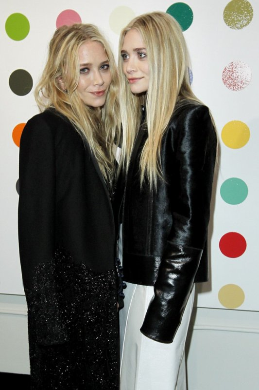kkkkkkkkkkkkkkkkkkkkkkkkkkkkkkkkkkkkkkkkkkkkkkkkkkkkkkkkkkkkkkkkkkkkkkkkkkkkkkkkkkkkkkkkkkkkkkkkkkkkkkkkkkkkkkkk12 DÉCEMBRE 2012 : Mary-Kate et Ashley célébrant leur collaboration de The Row avec la marque Damien Hirst à la boutique Just One Eye à Los Angeles     kkkkkkkkÇa faisait 6 mois qu'on ne l'ai avaient pas vues à LA, un record ^^ kkkkkkkkkkkkkkkkkkkkkkkkkkkkkkkkkkkkkkkkkkkkkkkkkkkkkkkkkkkkkkkkkkkkkkkkkkkkkkkkkkkkkkkkkkkkkkkkkkkkkkkkkkkkkkkk