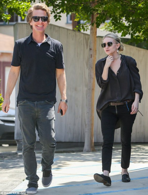 kkkkkkkkkkkkkkkkkkkkkkkkkkkkkkkkkkkkkkkkkkkkkkkkkkkkkkkkkkkkkkkkkkkkkkkkkkkkkkkkkkkkkkkkkkkkkkkkkkkkkkkkkkkkkkkk11 MAI 2013 : Ashley allant à la boutique Maison Martin Margiela avec un ami à Beverly Hills, Los Angeles   kkkkkkkk kkkkkkkkkkkkkkkkkkkkkkkkkkkkkkkkkkkkkkkkkkkkkkkkkkkkkkkkkkkkkkkkkkkkkkkkkkkkkkkkkkkkkkkkkkkkkkkkkkkkkkkkkkkkkkkk