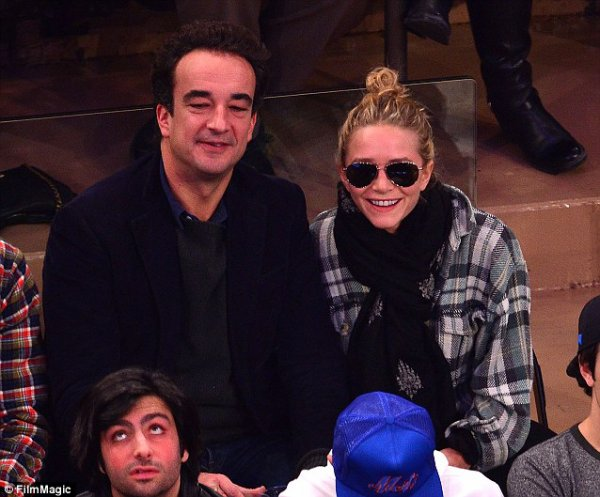 kkkkkkkkkkkkkkkkkkkkkkkkkkkkkkkkkkkkkkkkkkkkkkkkkkkkkkkkkkkkkkkkkkkkkkkkkkkkkkkkkkkkkkkkkkkkkkkkkkkkkkkkkkkkkkkk03 NOVEMBRE 2013 : Mary-Kate et Olivier au match de basketball des Knicks contre les Minnesota Timberwolves au Madison Squares Garden à New York   kkkkkkkk kkkkkkkkkkkkkkkkkkkkkkkkkkkkkkkkkkkkkkkkkkkkkkkkkkkkkkkkkkkkkkkkkkkkkkkkkkkkkkkkkkkkkkkkkkkkkkkkkkkkkkkkkkkkkkkk