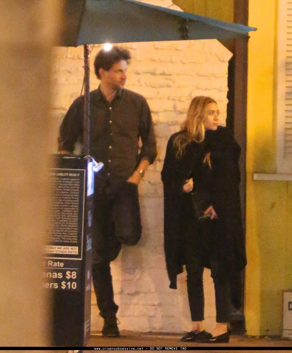 kkkkkkkkkkkkkkkkkkkkkkkkkkkkkkkkkkkkkkkkkkkkkkkkkkkkkkkkkkkkkkkkkkkkkkkkkkkkkkkkkkkkkkkkkkkkkkkkkkkkkkkkkkkkkkkk24 JANVIER 2014 : Ashley devant le restaurant Dan Tana's avec un home à Los Angeles    kkkkkkkk kkkkkkkkkkkkkkkkkkkkkkkkkkkkkkkkkkkkkkkkkkkkkkkkkkkkkkkkkkkkkkkkkkkkkkkkkkkkkkkkkkkkkkkkkkkkkkkkkkkkkkkkkkkkkkkk