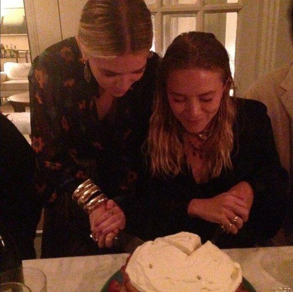 kkkkkkkkkkkkkkkkkkkkkkkkkkkkkkkkkkkkkkkkkkkkkkkkkkkkkkkkkkkkkkkkkkkkkkkkkkkkkkkkkkkkkkkkkkkkkkkkkkkkkkkkkkkkkkkk13 JUIN 2014 : Mary-Kate et Ashley coupant leur gâteau de fête pour leur 28e anniversaire à Bridgehampton, dans l'État de New York    kkkkkkkk kkkkkkkkkkkkkkkkkkkkkkkkkkkkkkkkkkkkkkkkkkkkkkkkkkkkkkkkkkkkkkkkkkkkkkkkkkkkkkkkkkkkkkkkkkkkkkkkkkkkkkkkkkkkkkkk