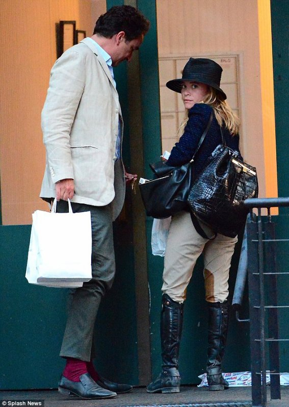 kkkkkkkkkkkkkkkkkkkkkkkkkkkkkkkkkkkkkkkkkkkkkkkkkkkkkkkkkkkkkkkkkkkkkkkkkkkkkkkkkkkkkkkkkkkkkkkkkkkkkkkkkkkkkkkk30 JUILLET 2014 : Mary-Kate et Olivier arrivant chez un appartment d'un ami à New York   kkkkkkkk kkkkkkkkkkkkkkkkkkkkkkkkkkkkkkkkkkkkkkkkkkkkkkkkkkkkkkkkkkkkkkkkkkkkkkkkkkkkkkkkkkkkkkkkkkkkkkkkkkkkkkkkkkkkkkkk