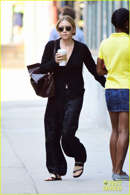 kkkkkkkkkkkkkkkkkkkkkkkkkkkkkkkkkkkkkkkkkkkkkkkkkkkkkkkkkkkkkkkkkkkkkkkkkkkkkkkkkkkkkkkkkkkkkkkkkkkkkkkkkkkkkkkk27 AOÛT 2014 : Ashley quittant son bureau à West Village, New York   kkkkkkkk kkkkkkkkkkkkkkkkkkkkkkkkkkkkkkkkkkkkkkkkkkkkkkkkkkkkkkkkkkkkkkkkkkkkkkkkkkkkkkkkkkkkkkkkkkkkkkkkkkkkkkkkkkkkkkkk