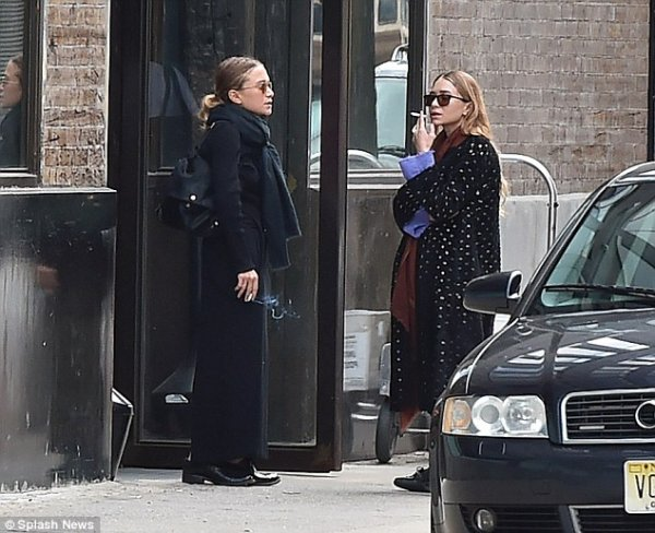 kkkkkkkkkkkkkkkkkkkkkkkkkkkkkkkkkkkkkkkkkkkkkkkkkkkkkkkkkkkkkkkkkkkkkkkkkkkkkkkkkkkkkkkkkkkkkkkkkkkkkkkkkkkkkkkk21 OCTOBRE 2014 : Mary-Kate et Ashley prenant une pause cigarette devant leur bureau à West Village, New York    kkkkkkkk kkkkkkkkkkkkkkkkkkkkkkkkkkkkkkkkkkkkkkkkkkkkkkkkkkkkkkkkkkkkkkkkkkkkkkkkkkkkkkkkkkkkkkkkkkkkkkkkkkkkkkkkkkkkkkkk