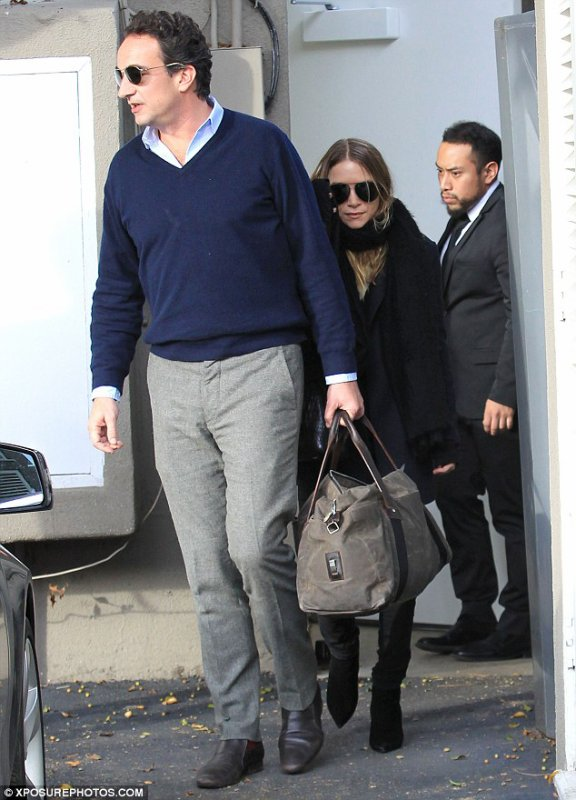 kkkkkkkkkkkkkkkkkkkkkkkkkkkkkkkkkkkkkkkkkkkkkkkkkkkkkkkkkkkkkkkkkkkkkkkkkkkkkkkkkkkkkkkkkkkkkkkkkkkkkkkkkkkkkkkk05 DÉCEMBRE 2014 : Mary-Kate et Olivier quittant une boutique sur Melrose Avenue à West Hollywood, Los Angeles   kkkkkkkk kkkkkkkkkkkkkkkkkkkkkkkkkkkkkkkkkkkkkkkkkkkkkkkkkkkkkkkkkkkkkkkkkkkkkkkkkkkkkkkkkkkkkkkkkkkkkkkkkkkkkkkkkkkkkkkk