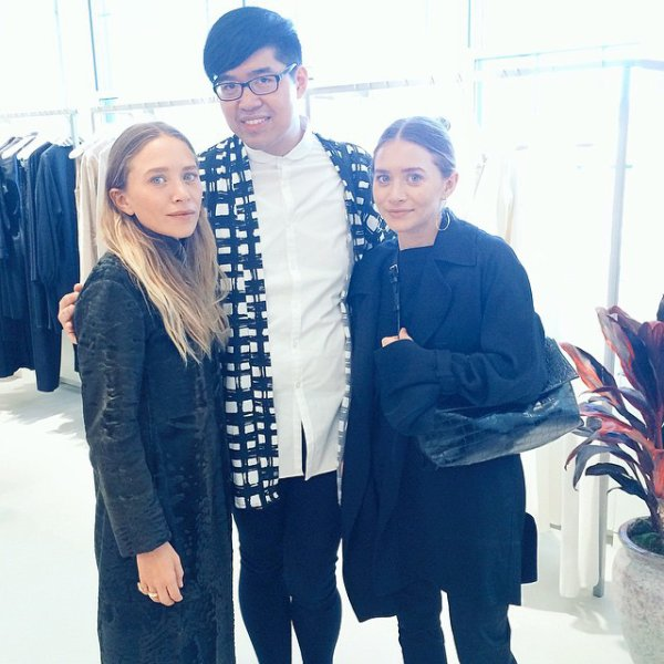 kkkkkkkkkkkkkkkkkkkkkkkkkkkkkkkkkkkkkkkkkkkkkkkkkkkkkkkkkkkkkkkkkkkkkkkkkkkkkkkkkkkkkkkkkkkkkkkkkkkkkkkkkkkkkkkk29 AVRIL 2015 : Mary-Kate et Ashley avec un fan après avoir présenté leur collection The Row à New York   kkkkkkkk kkkkkkkkkkkkkkkkkkkkkkkkkkkkkkkkkkkkkkkkkkkkkkkkkkkkkkkkkkkkkkkkkkkkkkkkkkkkkkkkkkkkkkkkkkkkkkkkkkkkkkkkkkkkkkkk