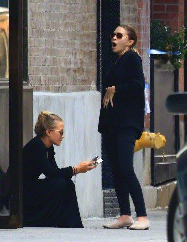 kkkkkkkkkkkkkkkkkkkkkkkkkkkkkkkkkkkkkkkkkkkkkkkkkkkkkkkkkkkkkkkkkkkkkkkkkkkkkkkkkkkkkkkkkkkkkkkkkkkkkkkkkkkkkkkk02 SEPTEMBRE 2015 : Mary-Kate et Ashley devant leur bureau à West Village, New York   kkkkkkkk kkkkkkkkkkkkkkkkkkkkkkkkkkkkkkkkkkkkkkkkkkkkkkkkkkkkkkkkkkkkkkkkkkkkkkkkkkkkkkkkkkkkkkkkkkkkkkkkkkkkkkkkkkkkkkkk