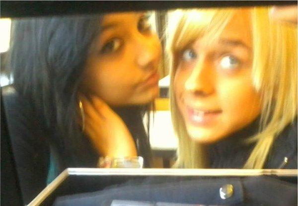 Yelda and me <3 . Je t'aime !