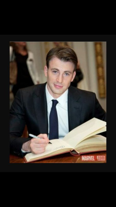 Christopher Robert Popino Evans ! ( Chris Evans )
