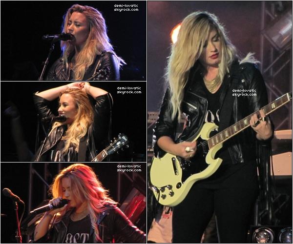 . 27/08/2012  : Demi a perfomé un concert à Essex Juction. .