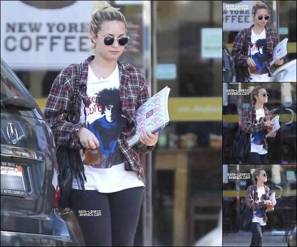 . 12/09/2012 : Demi Lovato a été vue à Los Angeles ..