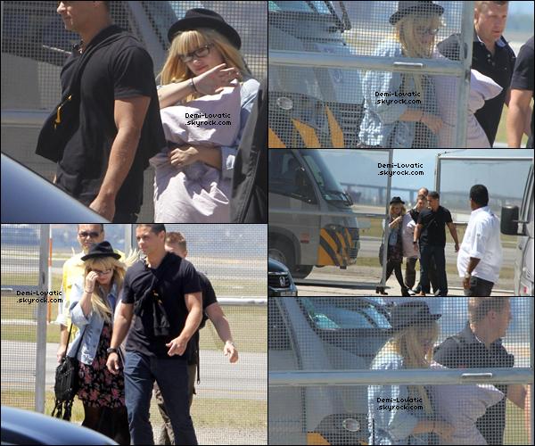 . 30/09/2012  : Demi Lovato a aperçue arrivant au Brésil ..