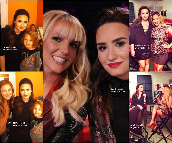 . 07/11/12 : Demi a assisté au trosième live show d' X-Factor U.S.A .  Voir le Live Show → Live Show