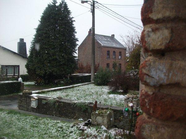 brrrrrrrrrrrrrrrrrr voila la neige .