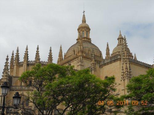 Un voyage ; Un nouvelle air ; de nouvelle tradition ; Un autre pays : L'Espagne !